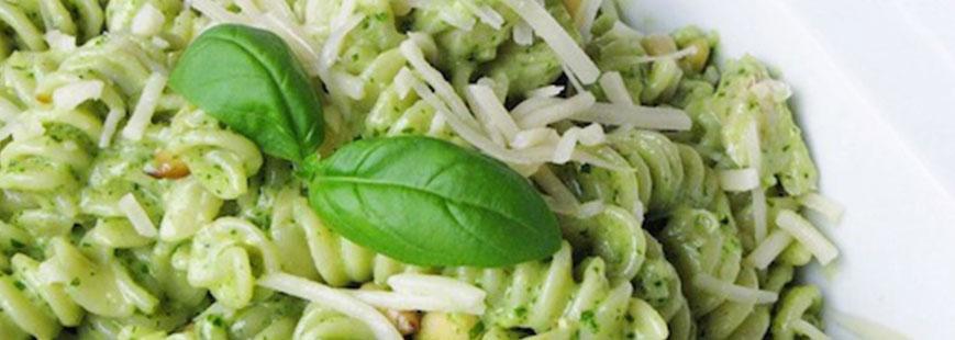 Pasta al Pesto con un Toque de Crema Lyncott®